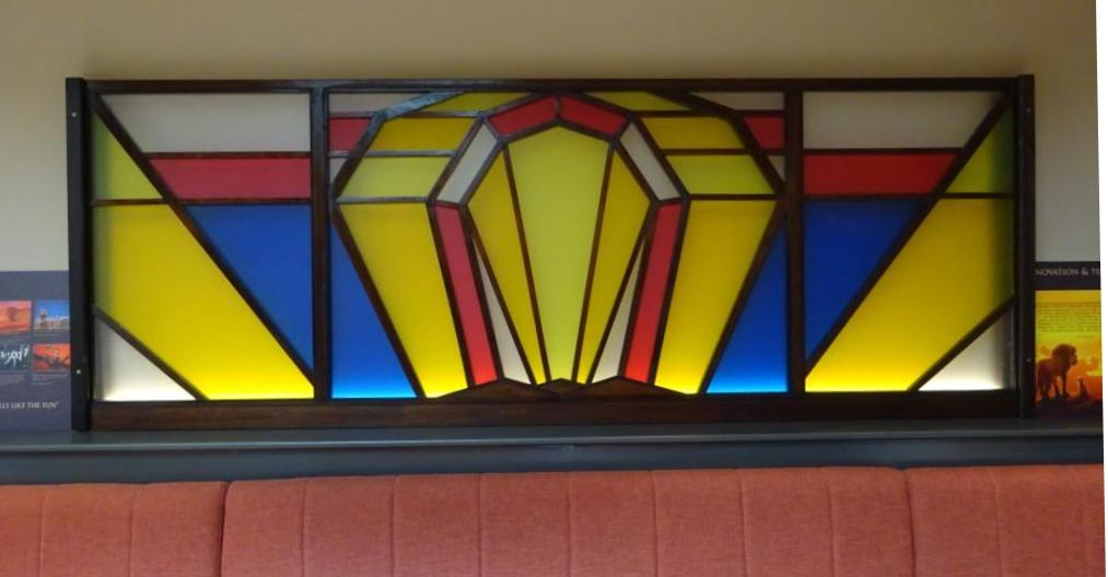 arch and ray coloured art deco screen
