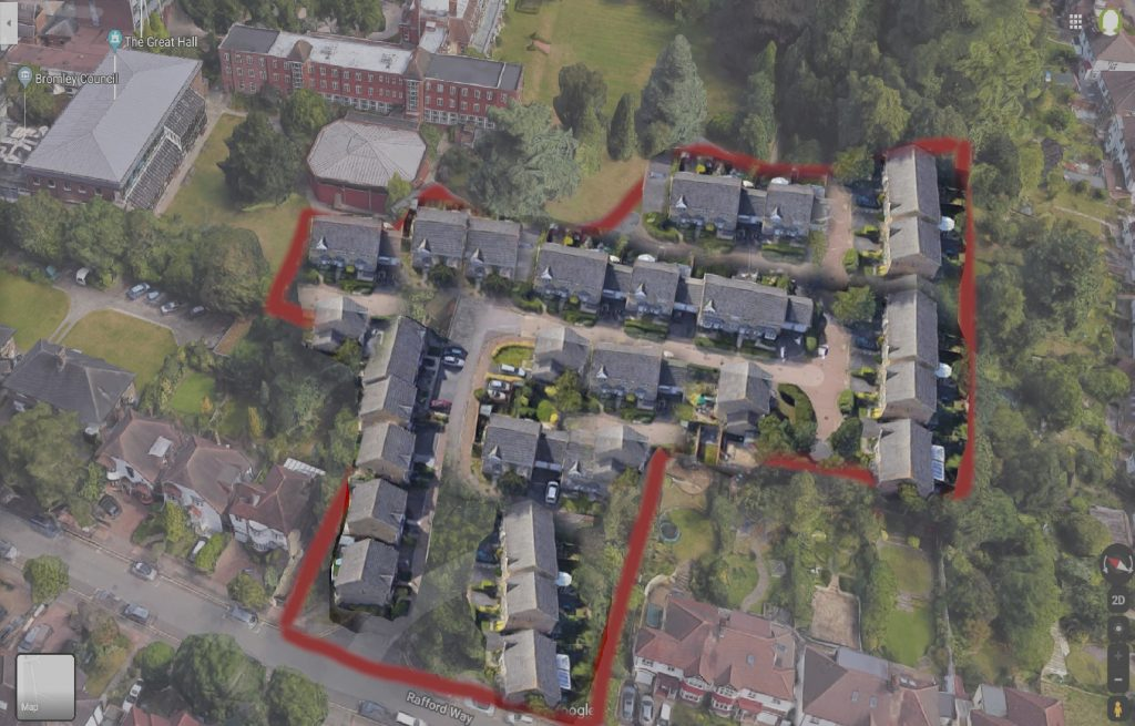 satellite composed pic of houses on the parkland